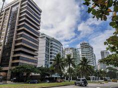 https://flic.kr/p/JnEWDG | Prédios residenciais do Rio de Janeiro | Edifícios de alto padrão no bairro de São Conrado.  Rio de Janeiro, Brasil. Tenha um dia fantástico! :-)  ____________________________________________  Residencial buildings of Rio de Janeiro  High standard residential buildings in São Conrado neighborhood.  Rio de Janeiro, Brazil. Have a fantastic day! :-)  ____________________________________________  Buy my photos at / Compre minhas fotos na Getty Images  To direct…