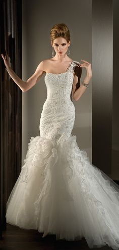 Organza Natural Waist Trumpet Sleeveless Appliques,beading,ruffles One Shoulder Lace-up Wedding Dress
