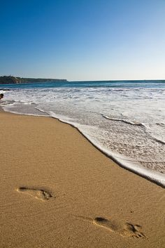 Dreamland Beach, jimbaran bay, Bali   Can you imagine your feet in the warm sand, can you almost smell the water?