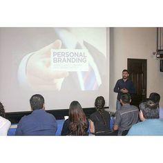 Esta mañana en la plática sobre #personalbranding con mis amigos de @AJuvenilNL en el Comité Estatal del @pannlmx #EscribiendoLaHistoria #socialmedia #picoftheday #conference #digitalmarketing #inboundmarketing