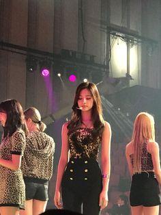 Nayeon, Kpop Fashion Outfits, Stage Outfits, Body Inspiration, Weight Loss Inspiration, Tzuyu Body, Tzuyu And Sana, Pop Clothing, Jihyo Twice