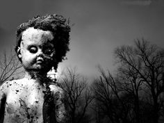 Creepy Images/Page 2 Creepy Baby Dolls, Post Apocalyptic Art, Creepy Images, Horror Pictures, Creepy Horror, Doll Parts, Little Doll, Horror Stories, Macabre