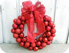 Frugal Christmas, Dollar Tree Christmas, Christmas Balls, Christmas Projects, Holiday Crafts, Christmas Holidays, All Things Christmas, Holiday Decor, Homemade Christmas