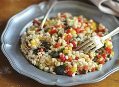 Carbs and Lose Weight? Eat Carbs and Lose Weight?Eat Carbs and Lose Weight? Summer Salad Recipes, Summer Salads, Healthy Detox, Healthy Eating, Healthy Carbs, Healthy Food, Clean Eating, Greek Spinach Pie, Cooking Recipes