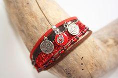 """Bracelet du monde ethnique """" esprit flamboyant"""" rouge & marron : Bracelet par latitude42-02"""