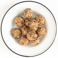 Classic Chocolate Chip and Peanut Butter No-Bake Oatmeal Energy Balls