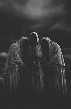Three Fates, Wierd Ssisters: