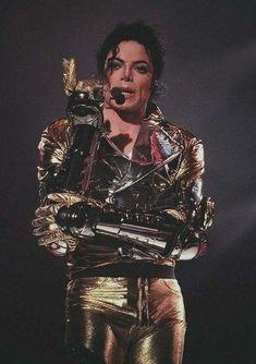 🍎My only love:Michael Jackson🍎 Michael Jackson Memes, Photos Of Michael Jackson, Michael Jackson Wallpaper, Michael Jackson Smile, Lisa Marie Presley, Paris Jackson, Jackson Family, Janet Jackson, Elvis Presley
