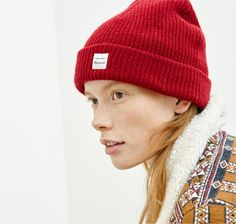 madewell cozy-knit beanie worn with the sherpa-collared jacquard jacket.