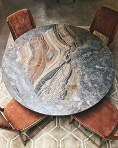 We just got this amazing marble dining table from Public Studio, limited to only five tables and this is the only one in size 120cm, a must…