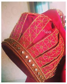 Saree Jacket Designs, Cutwork Blouse Designs, Wedding Saree Blouse Designs, Simple Blouse Designs, Stylish Blouse Design, Blouse Neck Designs, Pattu Sarees Wedding, Sleeve Designs, Landsknecht
