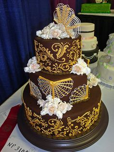 brown  gold cake by bunchofpants, via Flickr. LOVE
