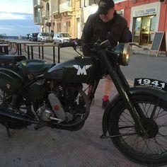 Very nice Matchless - http://ift.tt/1KwB1Ie #1940 #vintage #vintagevehicle #retro #motorbikes #motorcycle #motorcycles #matchless #norton #triumph #kawasaki #military