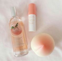 Pin~chloejjuk🌻 Younger Looking Skin, Best Anti Aging, Shampoo, Perfume Bottles, Beauty Hacks, Perfume Bottle, Beauty Tricks, Beauty Dupes, Beauty Secrets