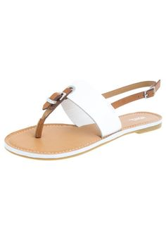 Sandalia Plana XOXO Blanco-Café Toe Ring Sandals, Toe Rings, Flat Sandals, Shoes Sandals, Pretty Sandals, Pretty Shoes, Cute Shoes, Leather Slippers, Leather Sandals