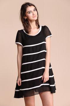 Black Round Neck Short Sleeve Contrast Stripes Shift Dress