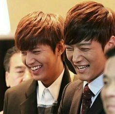 Leeminho and Choi Jin Hyuk smiling so brightly :) Boys Before Flowers, Boys Over Flowers, Emergency Couple, Choi Jin Hyuk, Netflix, Great Smiles, Korean Actors, Korean Dramas, The Heirs