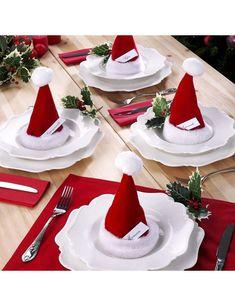 Tischdekoration mit befüllbaren Weihnachtsmützen