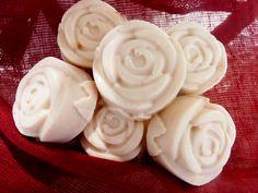 Mydlana przygoda czyli jak zrobić mydełko Icing, Desserts, Soaps, Food, Health, Kunst, Tailgate Desserts, Hand Soaps, Deserts