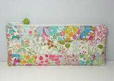 Vintage zippy pouch - great way to use up those little pieces.