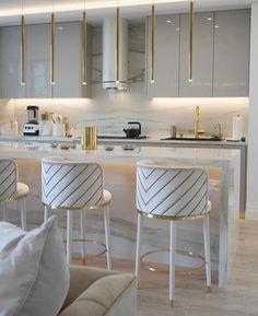 Gold Home Decor, Home Decor Kitchen, Kitchen Interior, Home Kitchens, Luxury Kitchen Design, Dream Home Design, House Design, Küchen Design, Beautiful Kitchens
