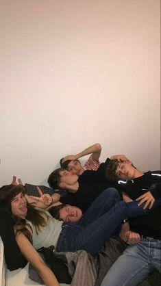 I Need Friends, Cute Friends, Best Friends, Drunk Friends, Teenager Boys, Teenager Outfits, Cute Friend Pictures, Friend Photos, My Photos