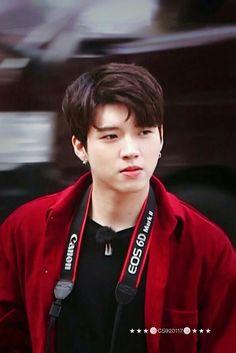 Kesayangan ku bnr dahhh💕 Hi School Love On, Lee Sungyeol, Kim Sung Kyu, Nam Woo Hyun, Woollim Entertainment, Pop Bands, Boyfriend Material, Infinite, Singer