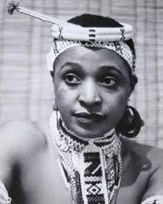 A Revolutionary/Legend/G.T/MamaWesizwe/Mother of the Nation Mama Nomzamo Winnie Madikizela-Mandela ✊🏾✊🏾✊🏾 Amandla ✊🏾 African Life, African History, African Women, African Wear, African Dress, African Fashion, Winnie Mandela, Xhosa Attire, African Royalty