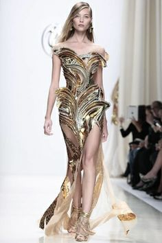 GORGEOUS GOWNS -  NOWFASHION: Real Time Fashion News, Photography Streaming and Live Fashion Shows