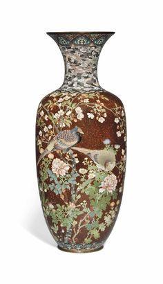 A LARGE JAPANESE CLOISONNE ENAMEL AND GOLDSTONE VASE - MEIJI PERIOD, LATE 19TH CENTURY.