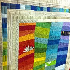 Krista Withers Quilting: Quilting Gallery  Love the random circles on the border