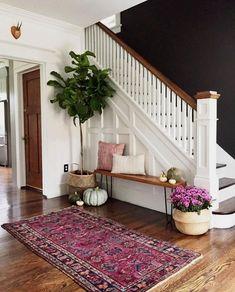 50 Best Rug Living Room Farmhouse Decor Ideas 30 – Home Design Home Design, Flur Design, Design Ideas, Wall Design, Design Hotel, Decoration Hall, Hall Way Decor, Basket Decoration, Black Walls