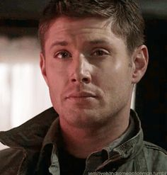 #DeanWinchester - Wink and grin [GIF]