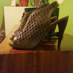 Halogen Sandals Grey/Olive Brown Used condition only wear on sole of shoes - price negotiable Halogen Shoes Sandals