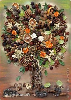Картина панно рисунок Коллаж Исполнение желаний Бусинки Жёлуди Листья Овощи фрукты ягоды