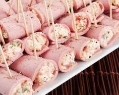 Ham rolled with fresh cheese, mustard and chives Appetizer Recipes, Snack Recipes, Appetizers, Cooking Recipes, Snacks, Fingerfood Party, Junk Food, Cooking Time, Finger Foods