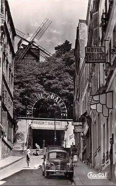 Le haut de la rue Tholozé vers 1960  (Paris 18ème)