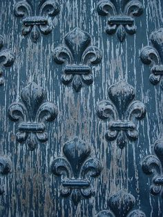 Fleur de lis on door of Invalides, Paris, France Red Moon Rising, French Themed Parties, Sculpture Techniques, Wall Candy, French History, Vintage Doors, Beautiful Dream, Paris France, Blue And White