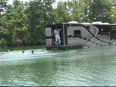 CAMI Terra Wind Amphibious Motorcoach  A moterhome and boat in one !!!! this is cool ;)