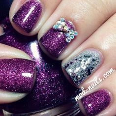 Bow nails - but without that accent silver nail