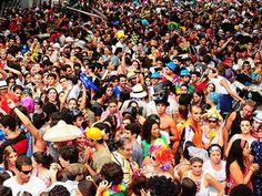 A folia chegou com tudo em São Paulo e o Samba em Rede te conta quais os blocos que desfilam na terça-feira de Carnaval, dia 4 de março. Confira.