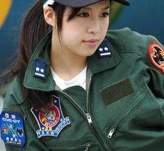 【自衛隊】美人すぎる女性自衛官の写真 - NAVER まとめ