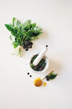 Not sure how to use herbs? Kale & Caramel shares the secret with a few herb recipes and a delicious face mask you can make at home.