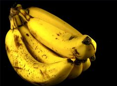 Break up the bunch. Bananas will stay fresh longer if separated, as this will slow down the amount of ethylene gas produced during the natural ripening process