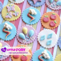 Remember these darling cupcake toppers we had at #allysponyparty?! Guess what. I've just posted a step-by-step tutorial to make these fabulous toppers by @lynleespetitecakes on my blog!! (Link in profile)