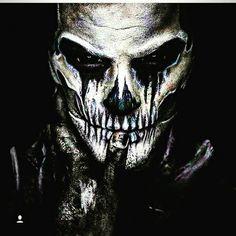 Horror Films, Horror Art, Military Sleeve Tattoo, Mask Painting, Creepy Photos, Graffiti Wallpaper, Dark Art Drawings, Maquillage Halloween, Creepy Art