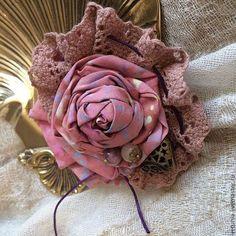 """Броши ручной работы. Ярмарка Мастеров - ручная работа. Купить Брошь """"Бутон пепельной розы"""". Handmade. Кремовый, брошь-цветок"""