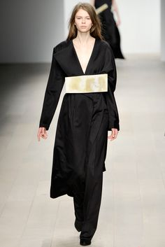 FALL 2012 READY-TO-WEAR Central Saint Martins Yifang Wan