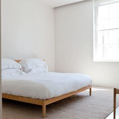 Love the elegantly minimal London house of architect John Pawson and his wife Catherine — a serene space designed for a contemplative existence