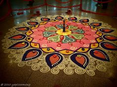 Beutiful piece of Art - Indian Kolam Design by yaptzeemeng, via Flickr